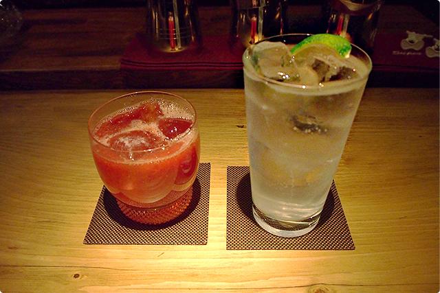 左:イチゴのカクテル 右:ジントニック