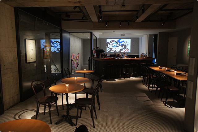 フロア内にはセゾン現代美術館のコレクションや、若手アーティストさんの作品が展示されています。