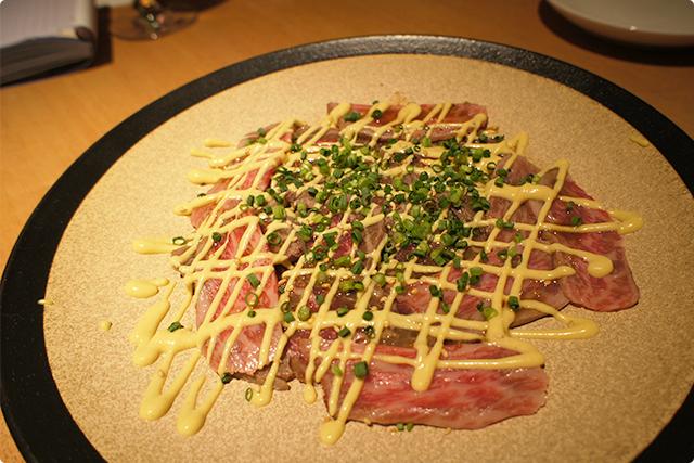 まずは、佐賀牛レアテキカルパッチョ