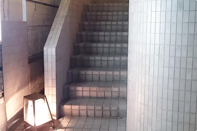 階段を3階まで登ってね