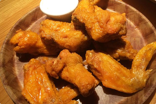 やっと来てくれた味も香りも最高の「チキン・ウィング」。