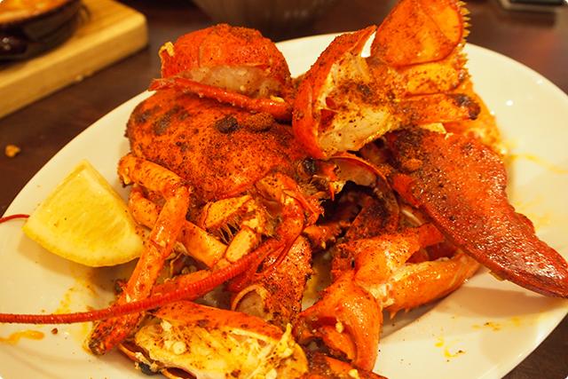 オマールエビのメキシカンスパイス焼き。これも美味しかった!スパイスの効いた海老ですよ。これももちろん取り合い。ちょっと辛めの甲殻類はみんな大好き!