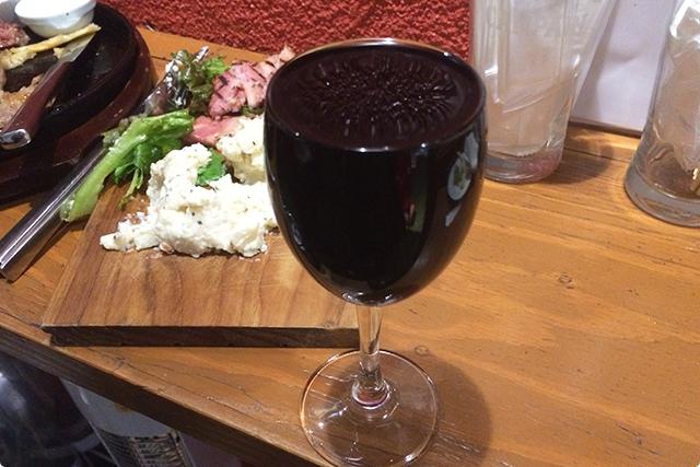 ワイン2杯目は、モンターニュノワール