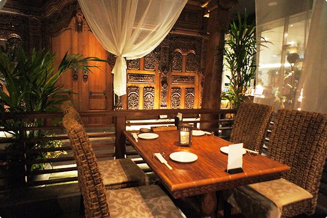 案内していただいたテーブル席はこんな感じ。素敵じゃないですか?