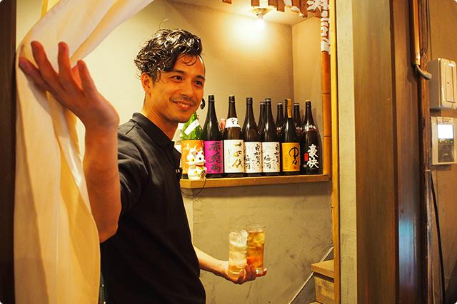 海人さんのご案内!あいかわらずイケメンだなぁ!海人さんはこちらのお店の共同オーナーであり、恵比寿横丁の知る人ぞ知る名店「ベコヒラ」さんのオーナーなのですね!