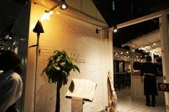 【W ginza ダブリューギンザ】銀座のコリドー街に現れた真っ白な空間の正体とは!?