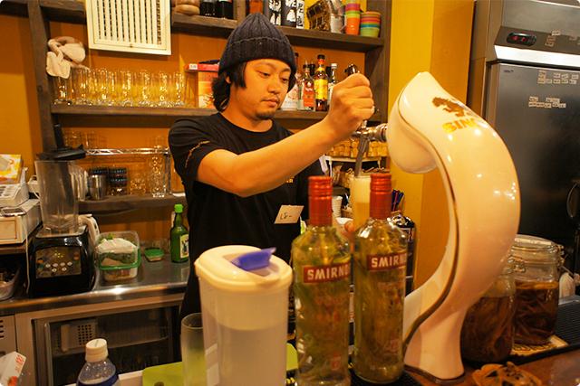 なんとこちらは生ビール!!TAPが設置しており、注ぎたてを飲むことができます♪