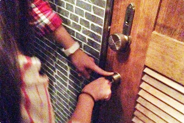 入り口には鍵が閉まっていて、鍵を渡されて、いざ倉庫へ!