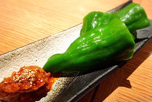 こうきたか!美味しい海老味噌で生のピーマンバリバリいける!!!