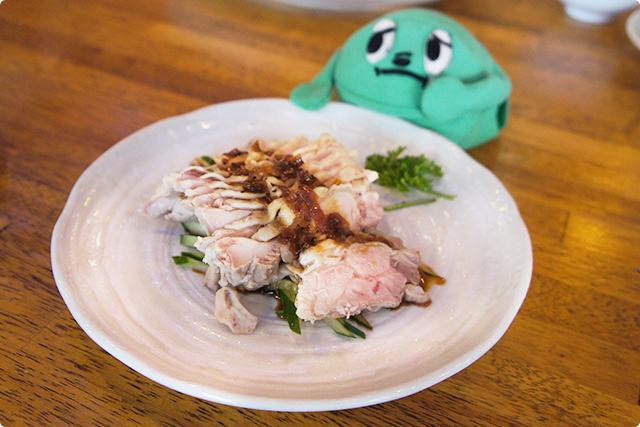 『鶏肉と葱の黒胡椒ソースがけ』¥302(税込)ドロ!