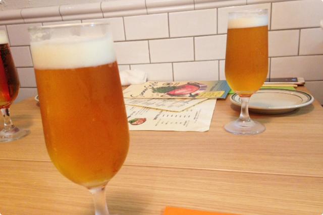 まずはビールから乾杯!