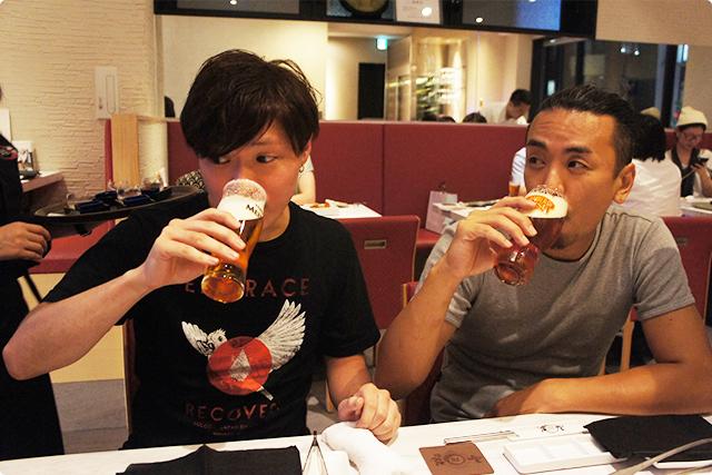 まずは早速ビールで乾杯!