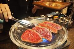 【Bitter Valley Grill(ビターバレーグリル)】渋谷でお肉を水晶プレートでグリルするのを初めて見た。