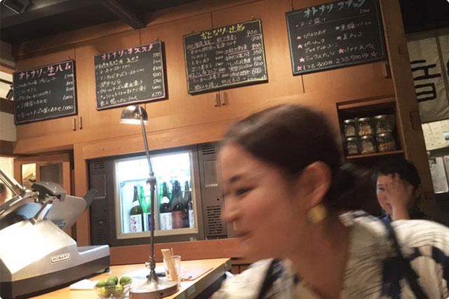 店内を撮ろうとしたら店長の「鶴田さん」が・・・笑。