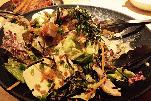 『ワイガヤサラダ(豚しゃぶ豆腐のサラダ)』700円