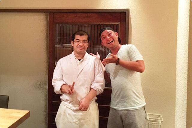 この店のオーナー「田畑 延生」さんと海老蔵。
