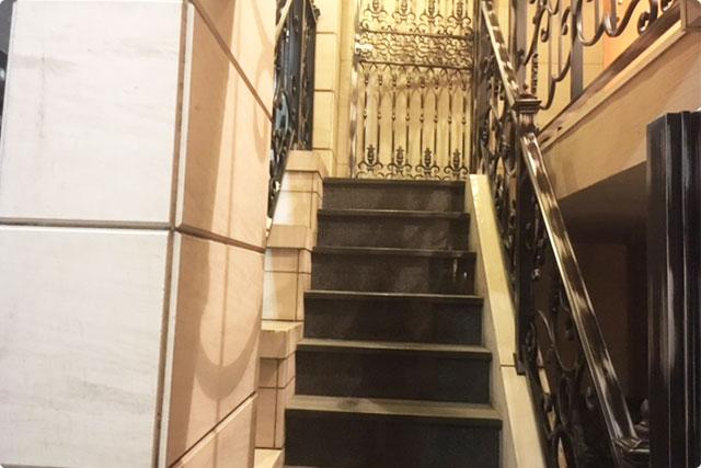 階段を上がると・・・
