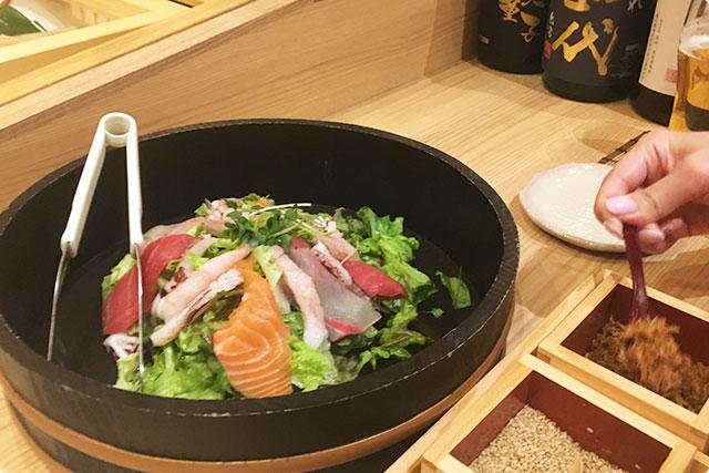 『海鮮サラダ』 ¥1,280 Seafood Mix Salad on your Table