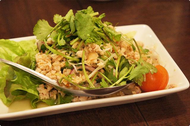 『鶏挽肉のラープ(挽肉のスパイシーサラダ)』¥680