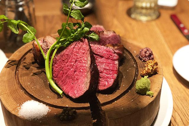 肉ビストロ灯 『肉盛り三種』